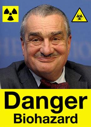 Karel je nebezpečný spáč